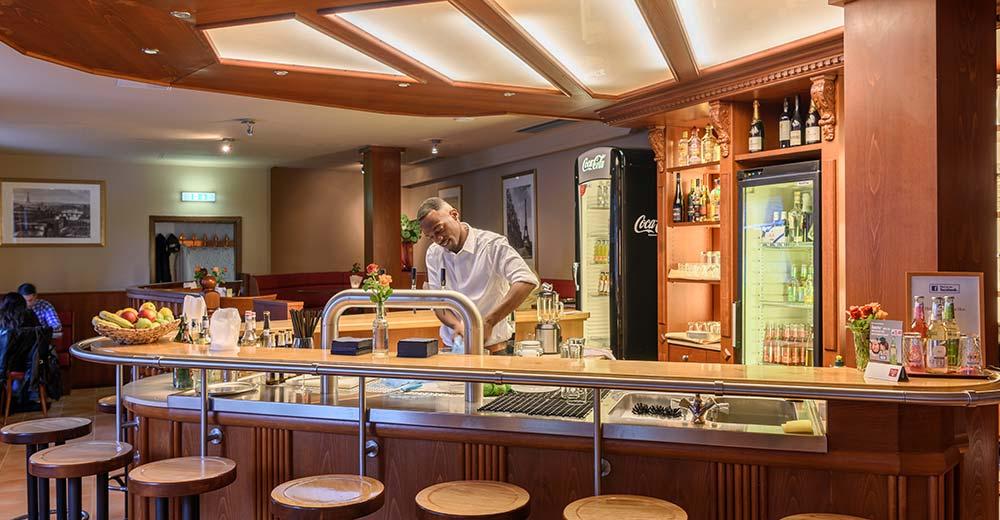 cafe restaurant bar frankfurt am main. Black Bedroom Furniture Sets. Home Design Ideas