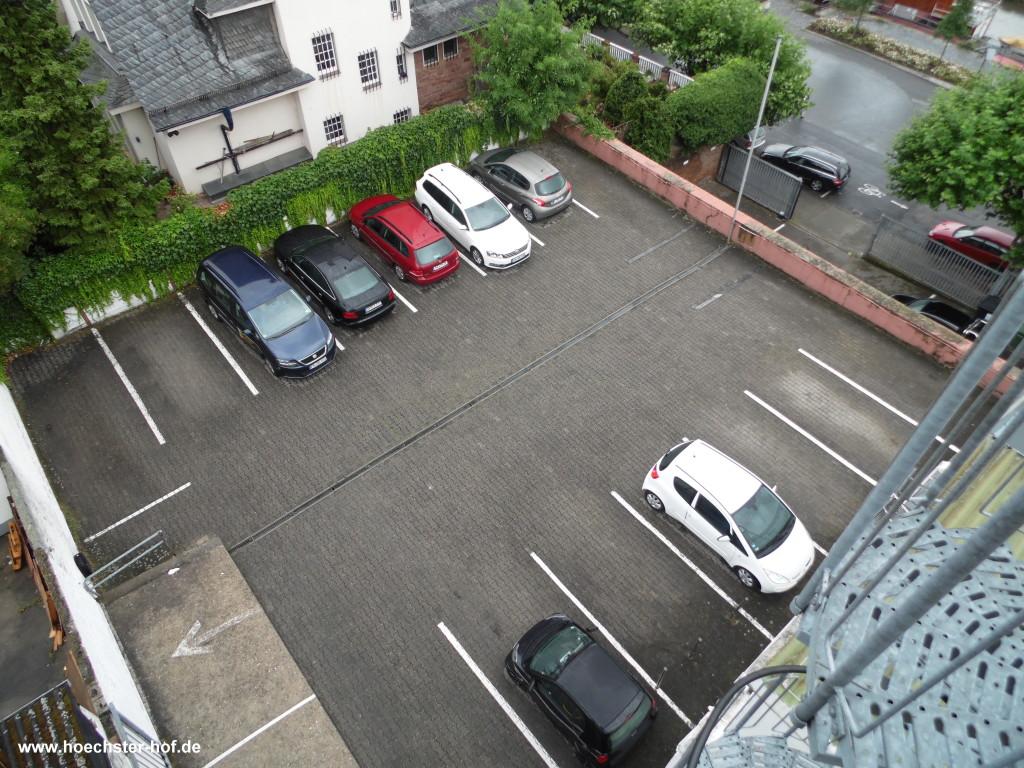 Parken im Höchster Hof